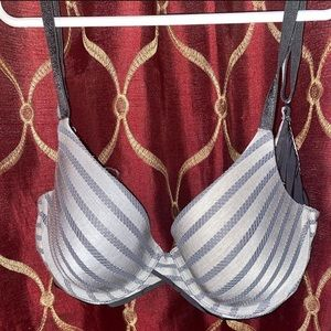 32C Uplift Semi Demi Victoria's Secret Bra